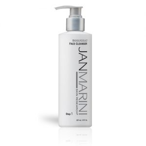 professionals-marketing-product-images-lores-bioglycolic-face-cleanser-lores.jpg
